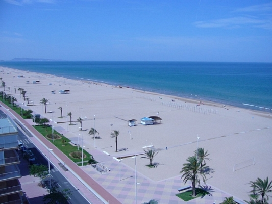 Gandia ofrece transporte low cost a las playas