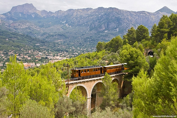 Antique Train Between Palma and Sóller - Ferrocarril de Sóller